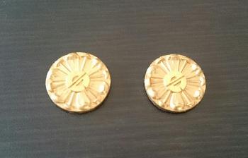 純金K24襟章高価買取.png