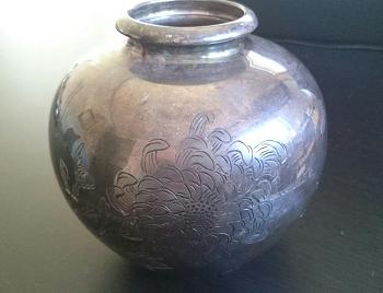 純銀の花瓶買取.png